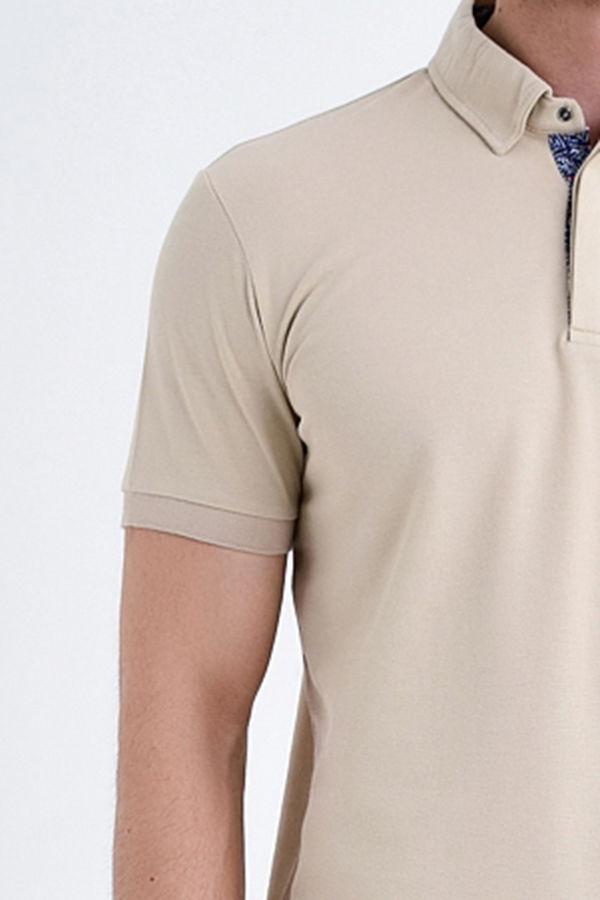 Bej Yaka Desenli Polo Yaka Tişört