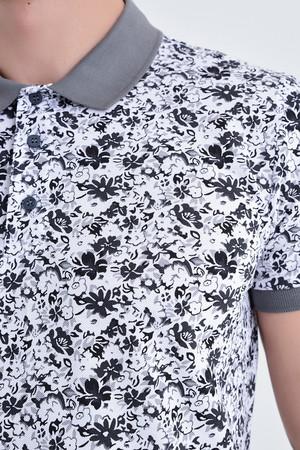 Gri Çiçek Desenli Polo Yaka Tişört - Thumbnail