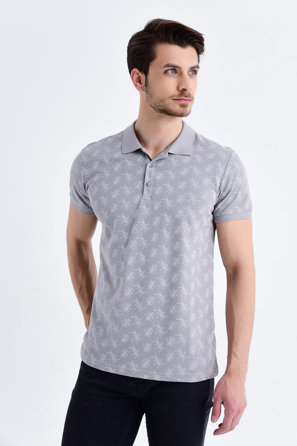 Gri Desenli Polo Yaka Tişört