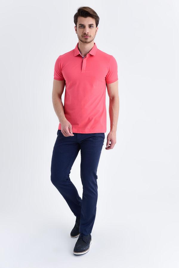 Pembe Desenli Polo Yaka Tişört
