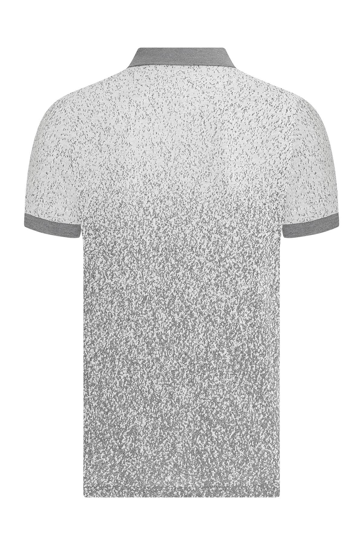 Gri Baskılı Beyaz Polo Yaka Tişört