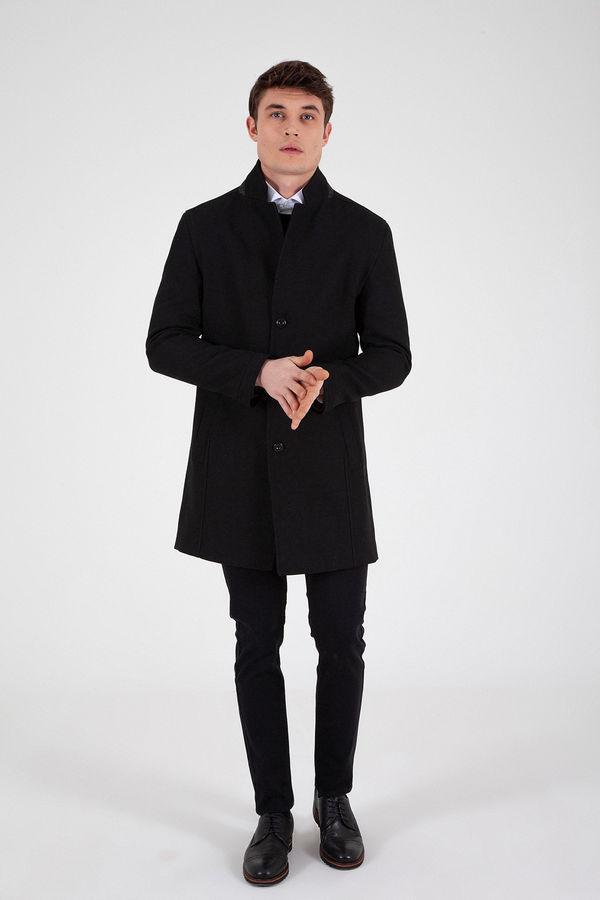 Hakim Yaka Siyah Palto