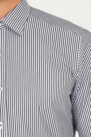 Regular Fit Siyah Çizgili Gömlek - Thumbnail