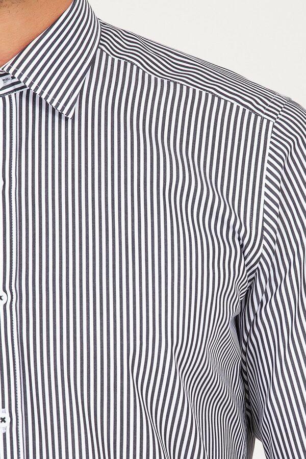 Regular Fit Siyah Çizgili Gömlek